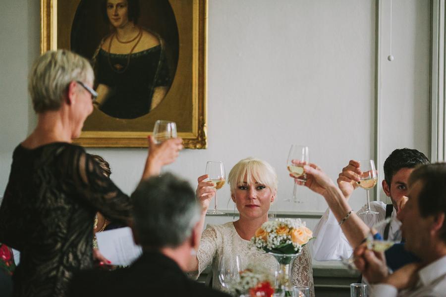 Första skål med brudens mor
