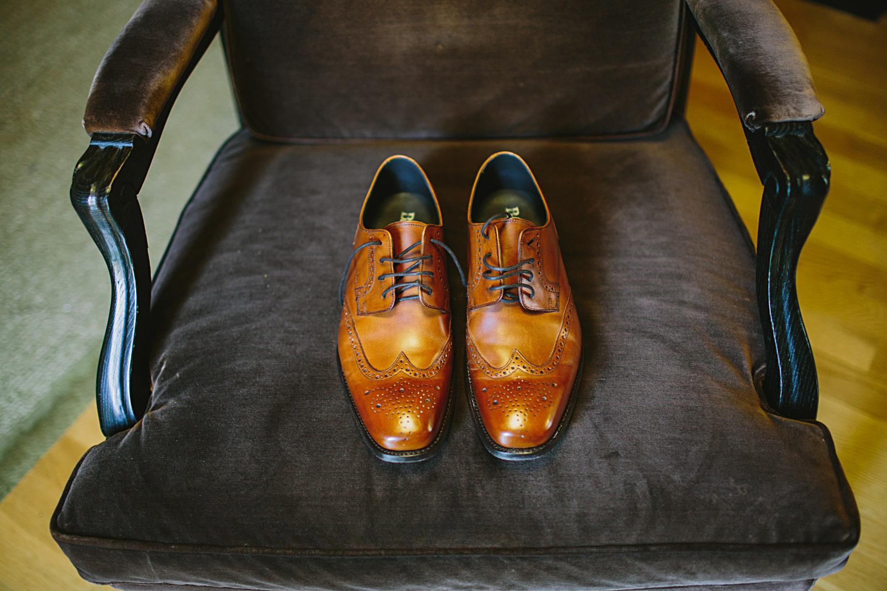 stiliga skor från barker till bröllop