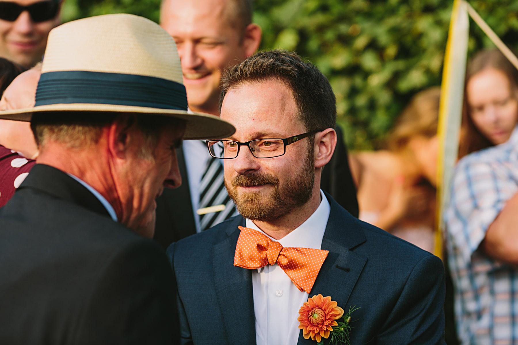 brudgum med sin far
