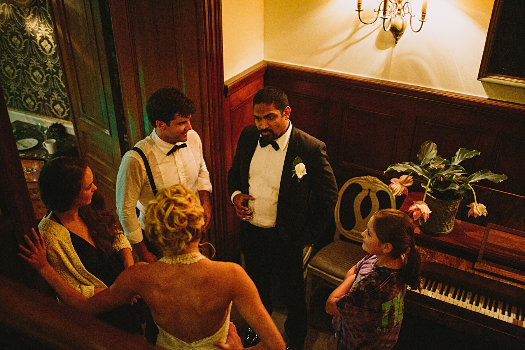 mingel pa broellopsfest i korridoren