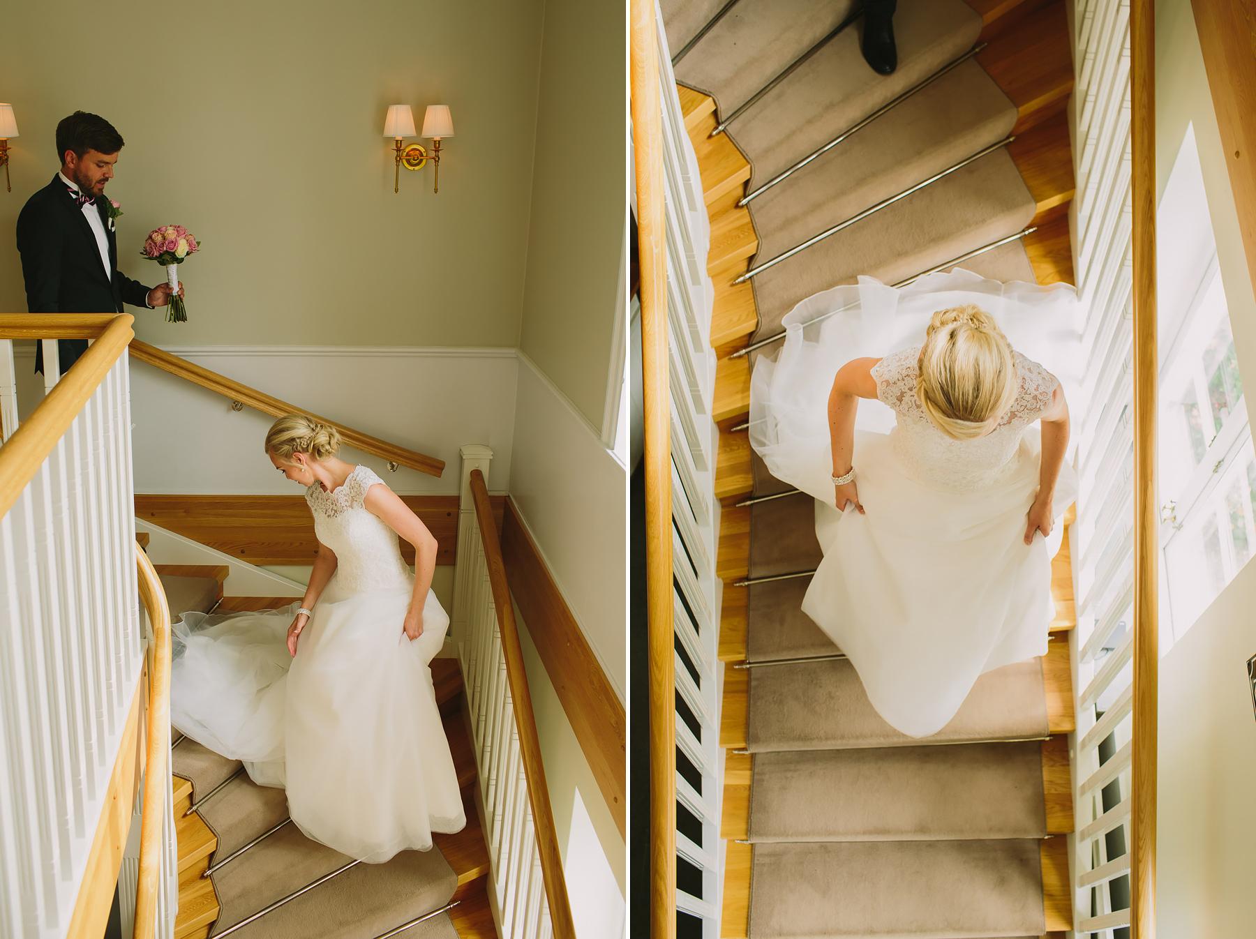 Bruden ner för trappan Skytteholm