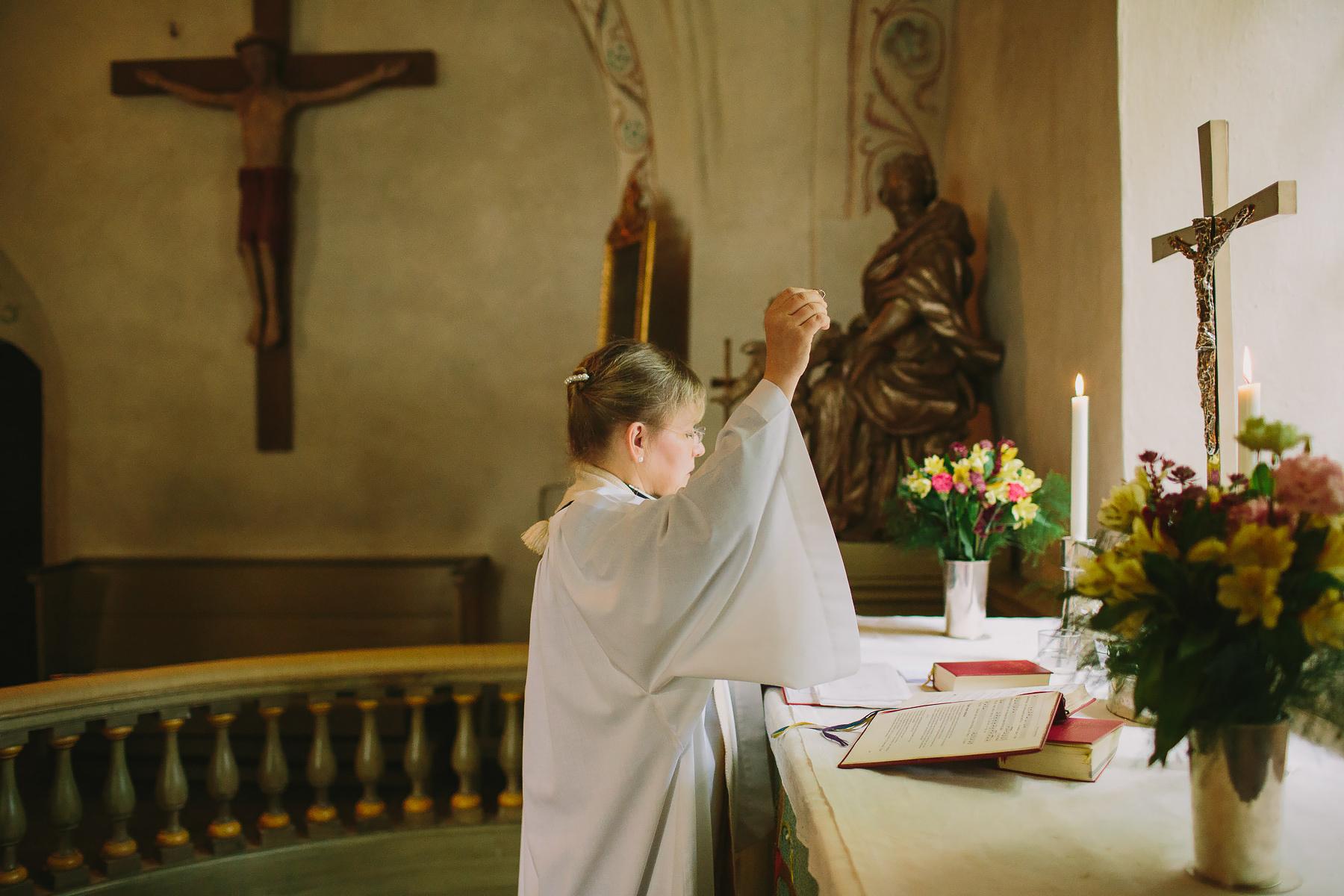 Vigselceremoni i ekerö kyrka