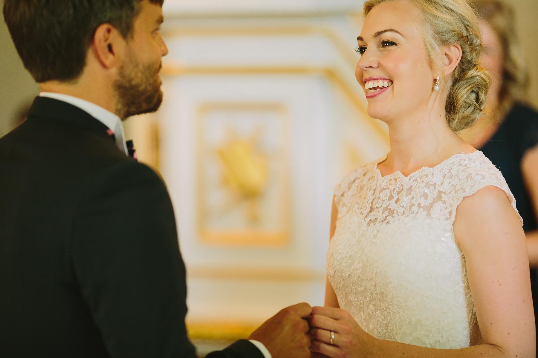 Bruden får sin man tillslut