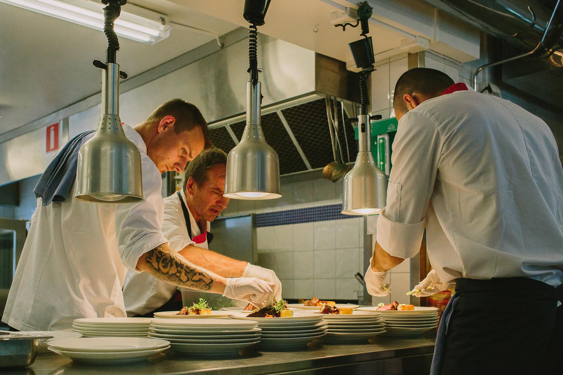 Förberedelser i köket