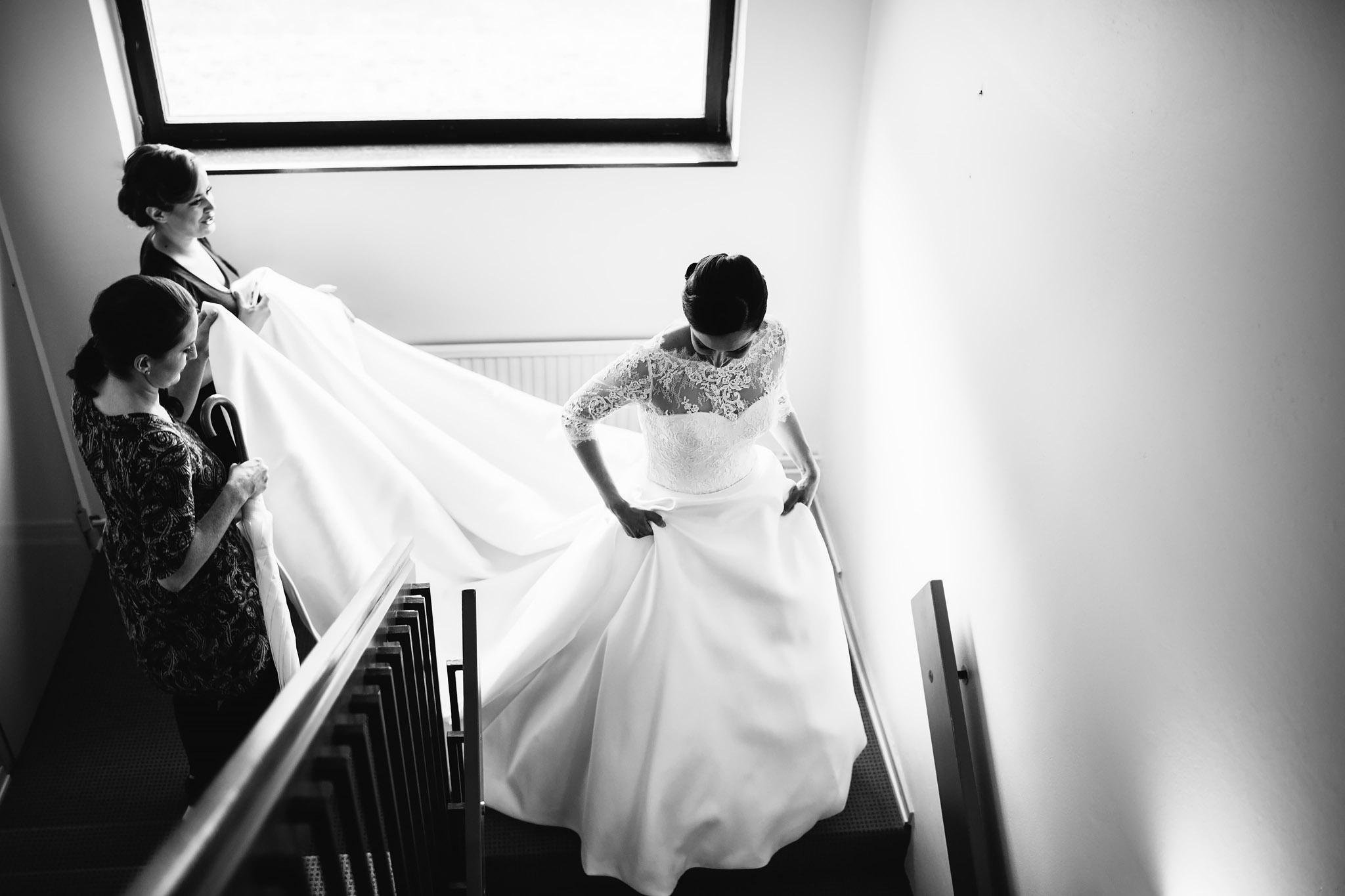 Bruden i sin brudklänning