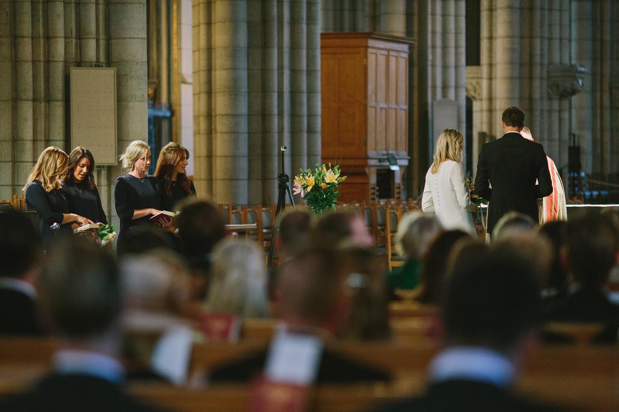 framme vid altaret